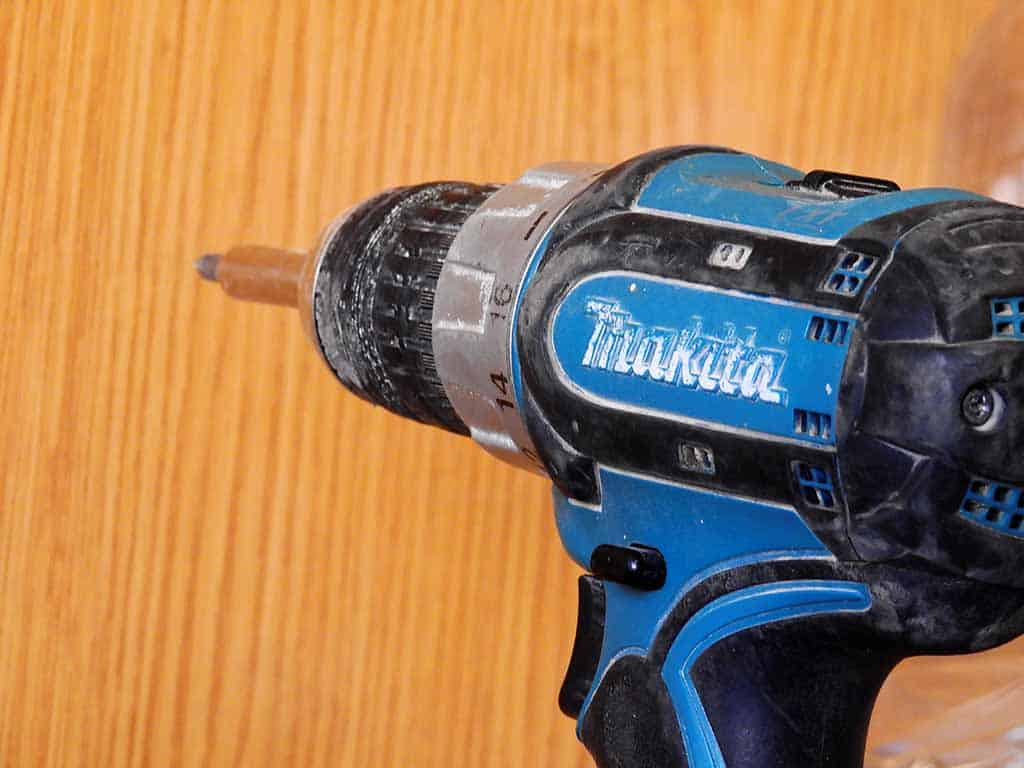 pic of a cordless drill used in deck building
