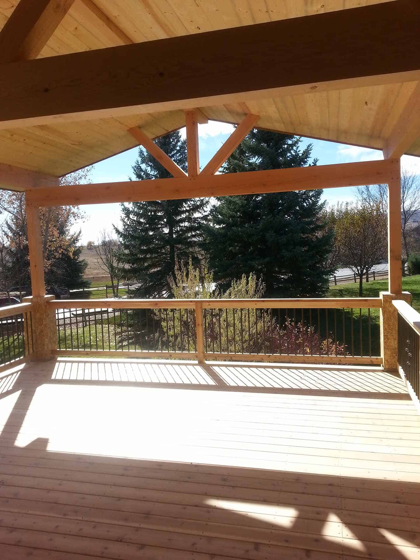 pic of a deck and deck cover built in Ft. Collins, CO
