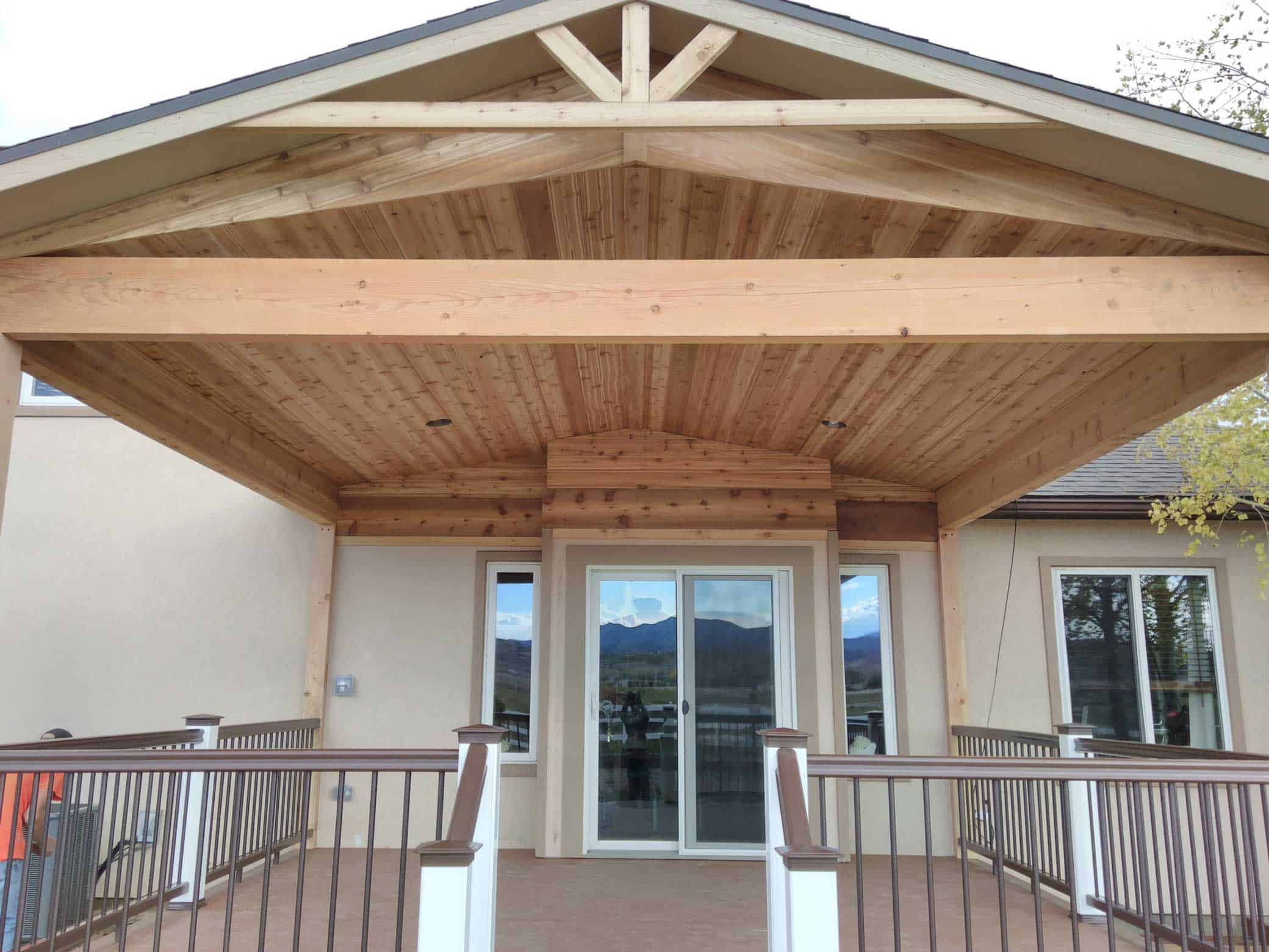 pic of a patio cover and deck built in loveland, co
